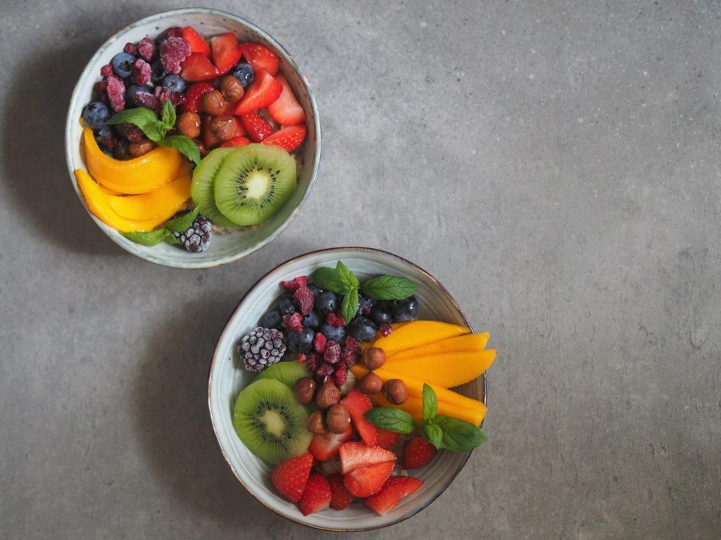 Owsianka z owocami - odżywcza, wegańska i bezglutenowa