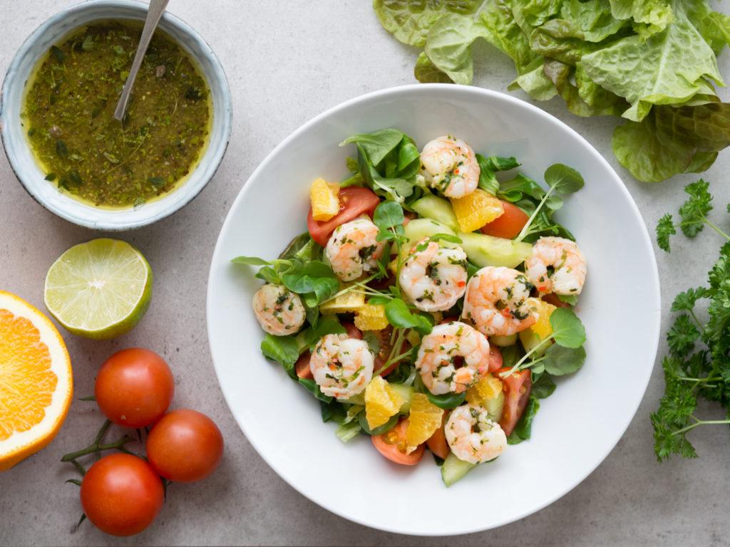 Owoce morza są jednym ze źródeł selenu w diecie. Prawidłowy poziom selenu wpływ ana poprawę funkcjonowania tarczycy i poprawę samopoczucia osób zmagających się z chorobą Hashimoto.