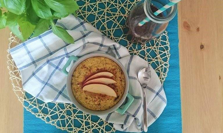 Pieczona owsianka z żurawiną i jabłkami