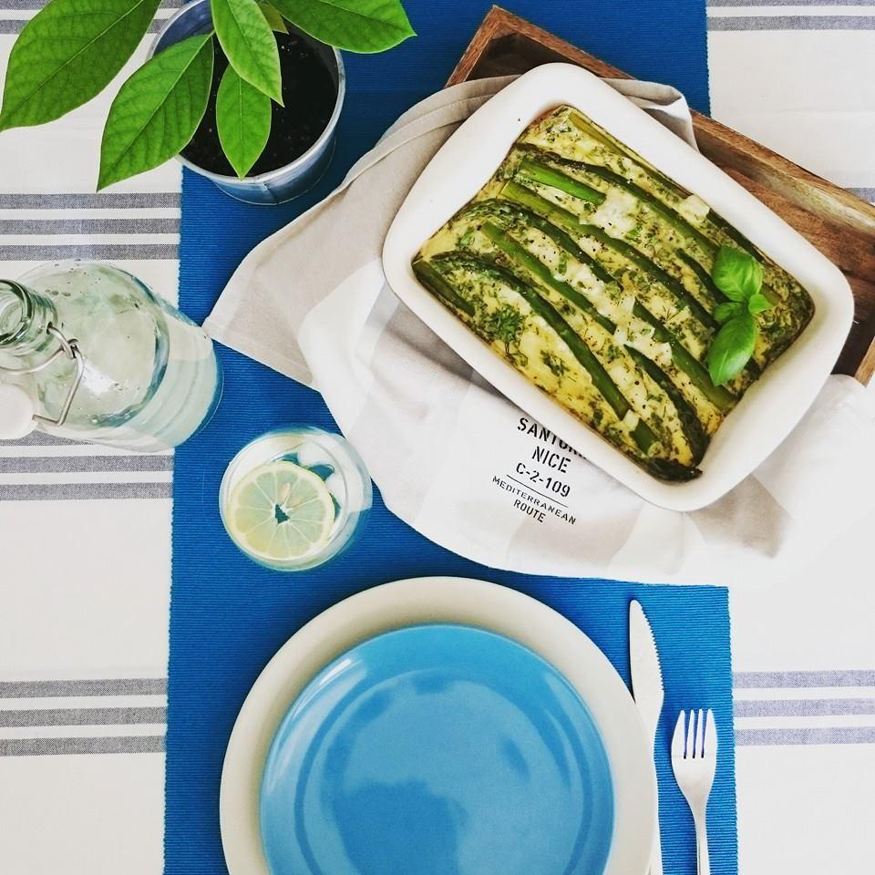Instagram viola_okiem_dietetyka pieczony omlet ze szparagami i serkiem wiejskim