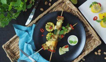 Szaszłyki z indyka marynowanego w pesto z bazylii tajskiej i pistacji