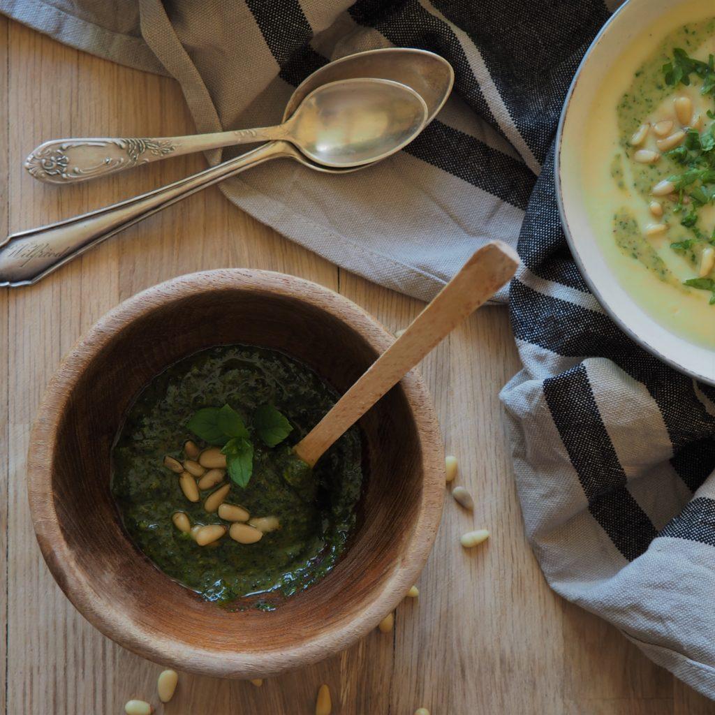 Pesto z pistacji i natki pietruszki