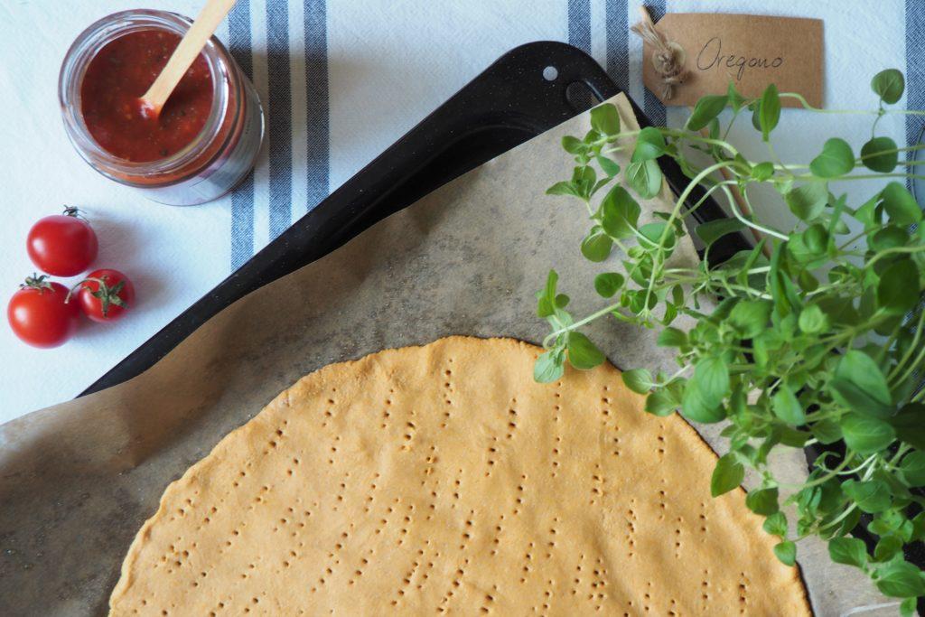 bezglutenowe ciasto do pizzy z batata i mąki owsianej