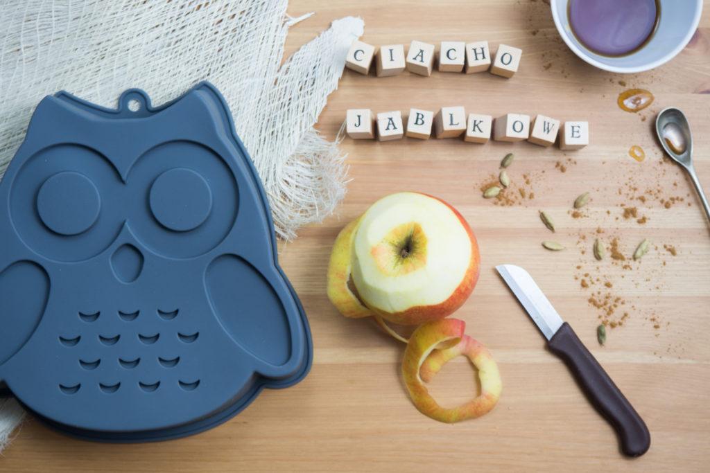 ciasto korzenne z jabłkami i orzechami (forma silikonowa z a Tab)