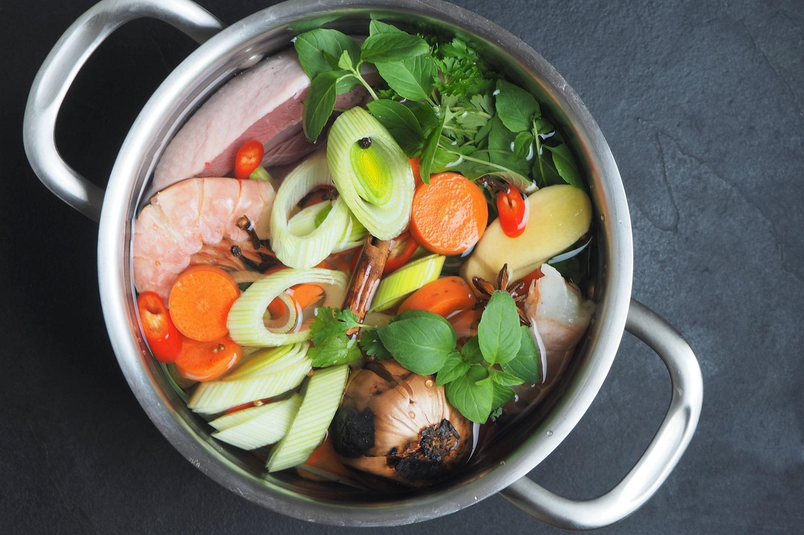 Bulion Okiem Dietetyka – wegański, rybny i drobiowy