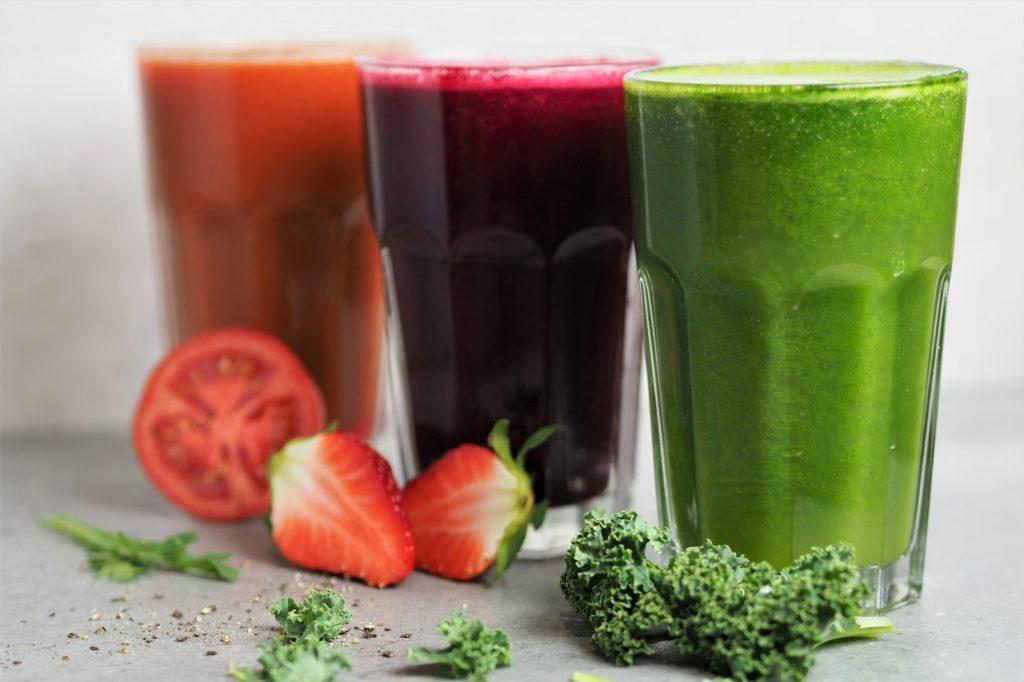 3 pomysły na koktajl wyciskany z warzyw i owoców