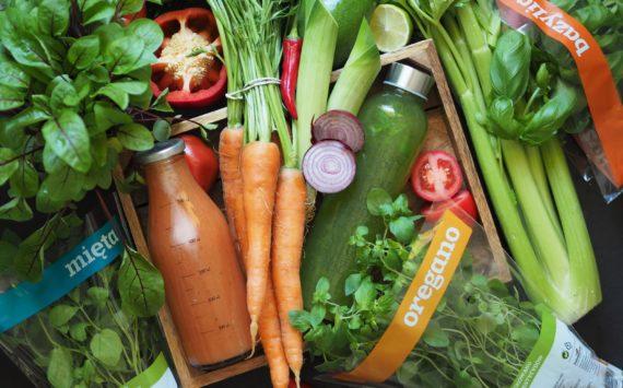 Czym doprawić sok warzywny?