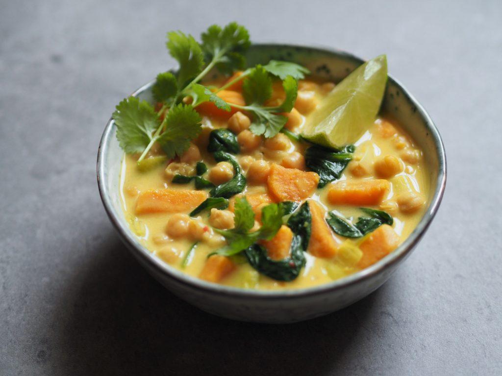 Curry Z Batatow Ciecierzycy I Szpinaku Ekspresowy Weganski Obiad