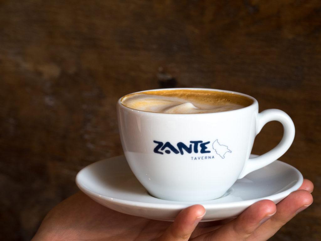 Kawa z mlekiem bez laktozy z Zante
