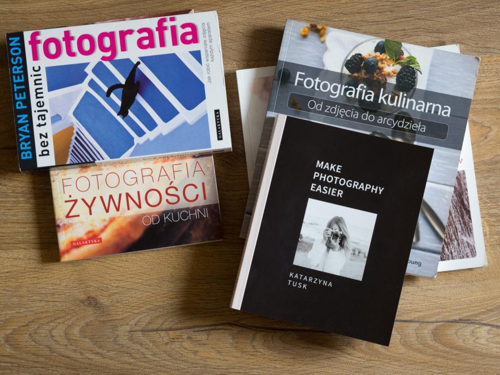 Zbiór książek na temat fotografii kulinarnej i nie tylko
