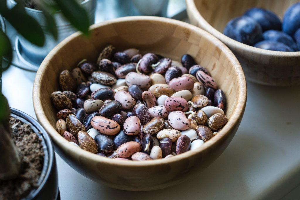 fasola to dobre źródło białka w gulaszu wegańskim