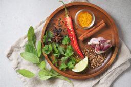10 powodów, dla których warto ograniczyć mięso w diecie