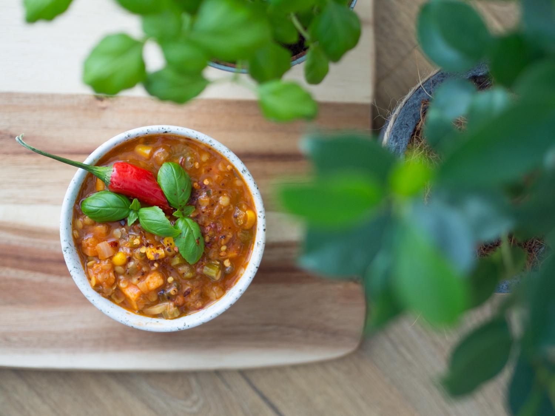 Sycąca zupa z soczewicy