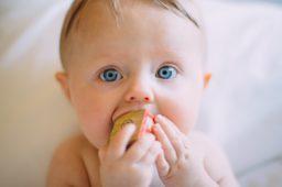 Dieta mamy i dziecka w pigułce – ciąża, karmienie i rozszerzanie diety
