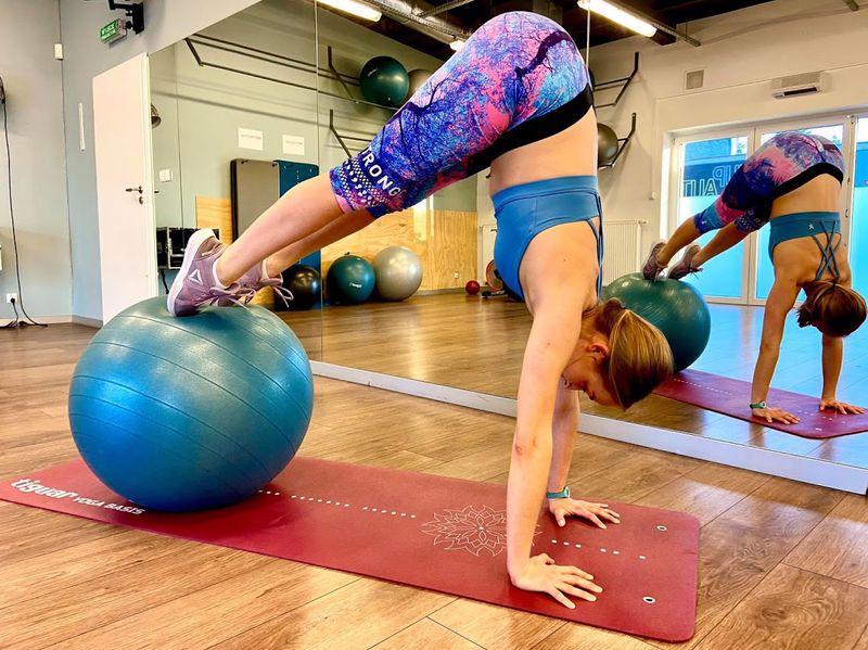 trening płaski brzuch