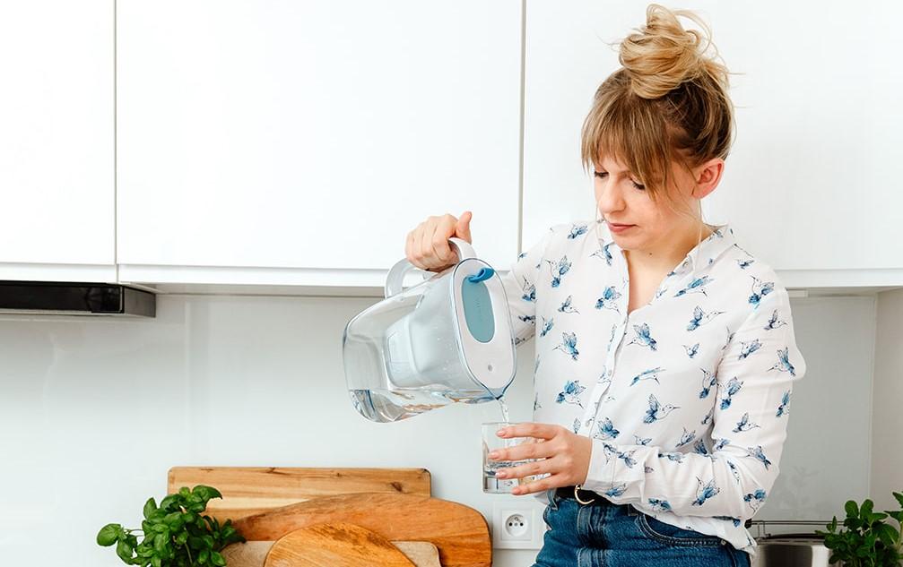 Woda butelkowana czy z kranu? Która lepsza?