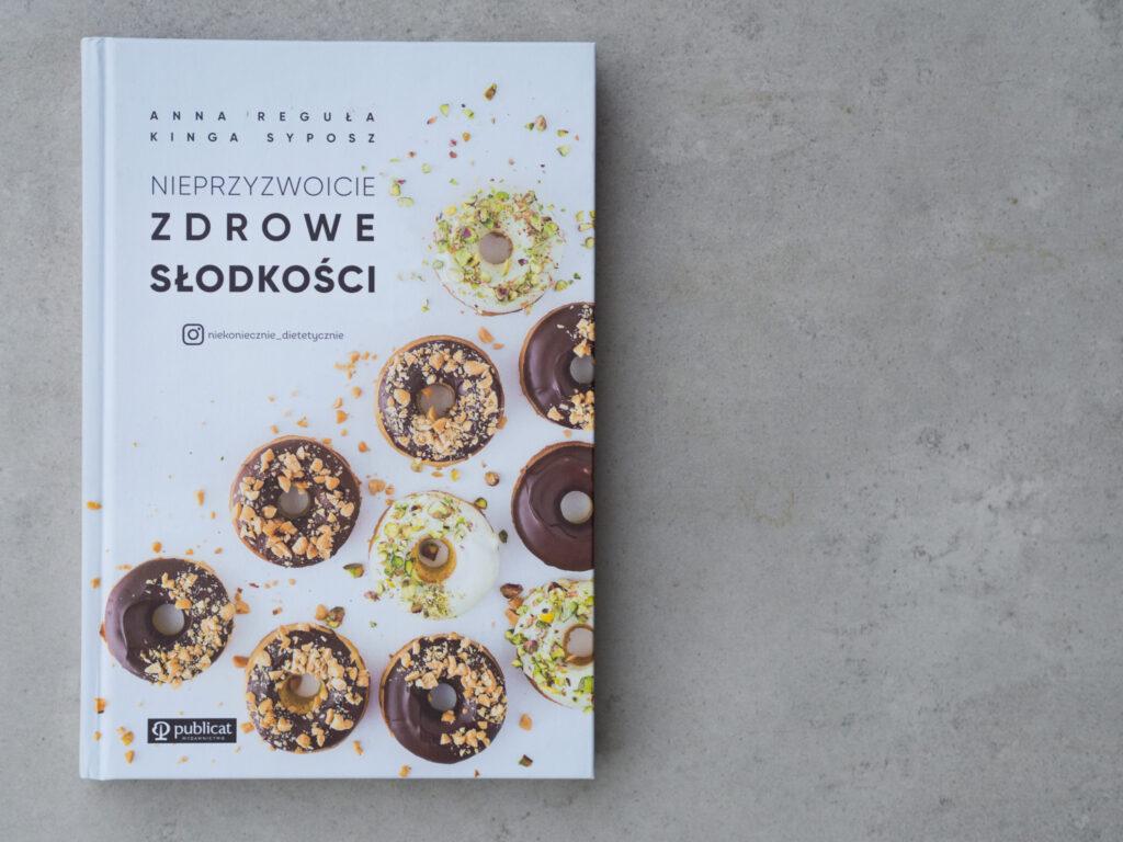Nieprzyzwoicie zdrowe słodkości - wydawnictwo Publicat